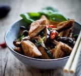 Sauté di funghi e tofu alla maniera di Sichuan | Cina