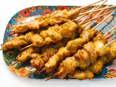 Spiedini di pollo marinati in stile punjabi | Pakistan