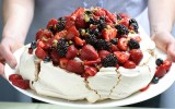 Pavlova | Meringa alla panna e frutti di bosco | Australia
